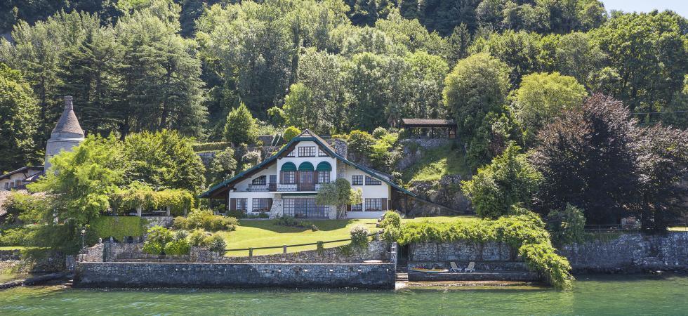 Villa Cinderella - Ispra, Lake Maggiore - NORTHITALY VILLAS lakefront vacation villa rentals