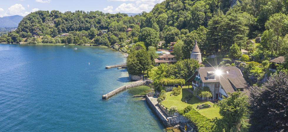 Villa Cinderella - Ispra, Lake Maggiore - NORTHITALY VILLAS exclusive vacation villa rentals directly at the water