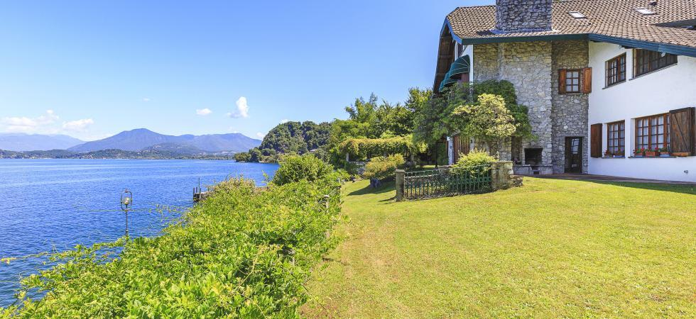 Villa Cinderella - Ispra, Lake Maggiore - NORTHITALY VILLAS holiday home lettings luxury