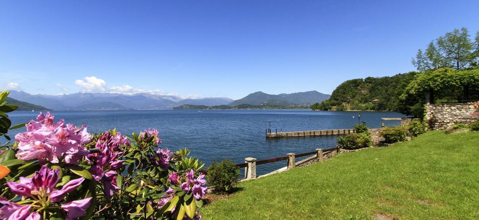 Villa Cinderella - Ispra, Lake Maggiore - NORTHITALY VILLAS lakefront holiday home lettings