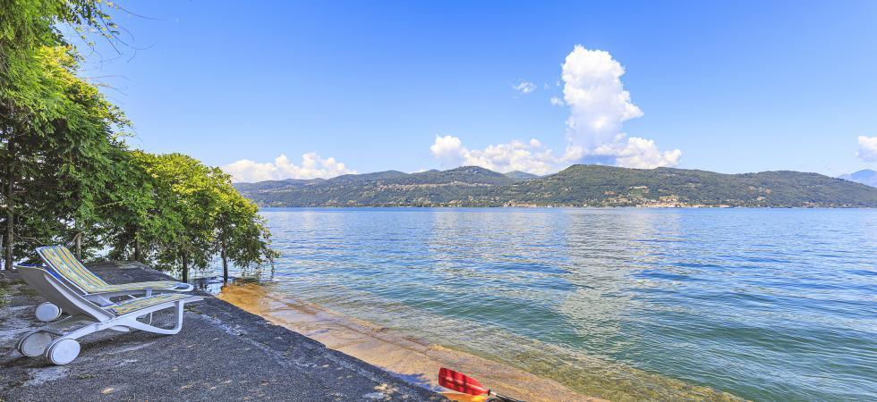 Villa Cinderella - Ispra, Lake Maggiore - NORTHITALY VILLAS lakeside vacation villa rentals