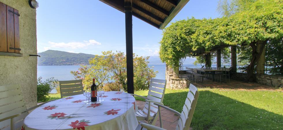 Villa Cinderella - Ispra, Lake Maggiore - NORTHITALY VILLAS vacation villa rentals lakeview