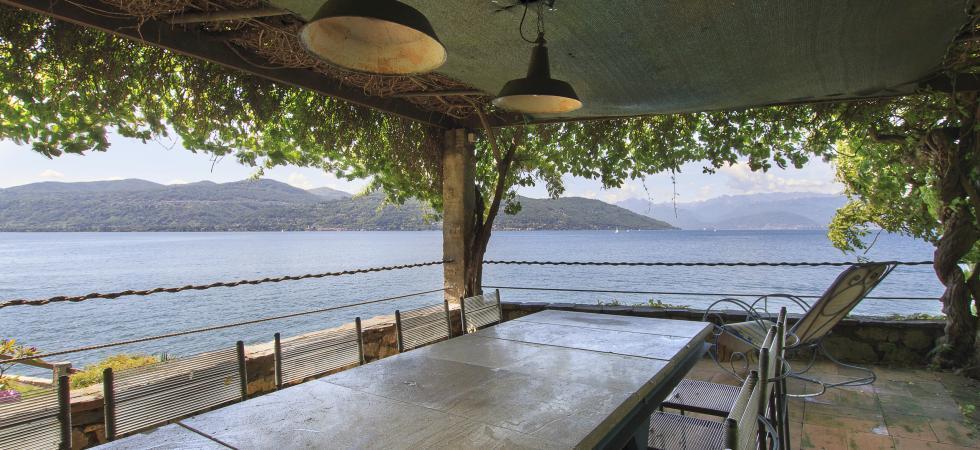 Villa Cinderella - Ispra, Lake Maggiore - NORTHITALY VILLAS vacation villa rentals