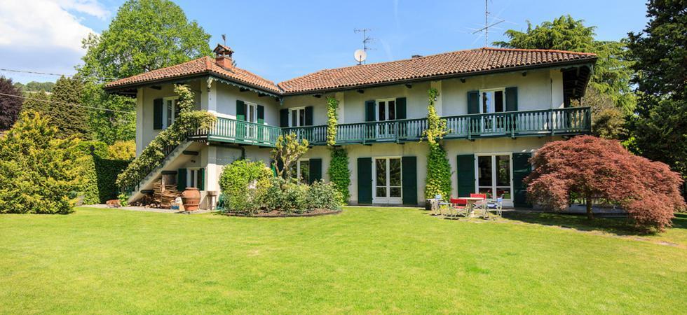 Villa Ida - Lesa, Lake Maggiore - NORTHITALY VILLAS vacation villa rentals