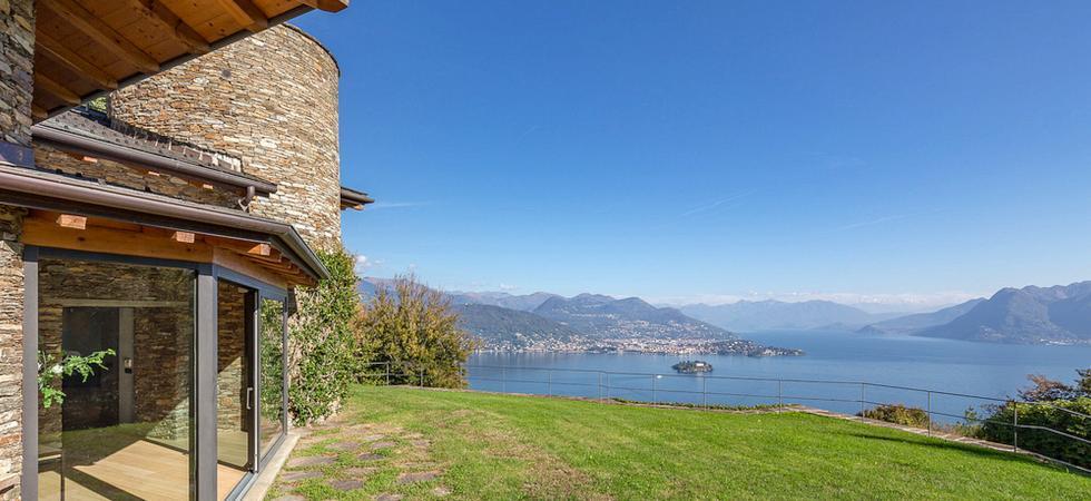 1375) Villa Petra, Stresa