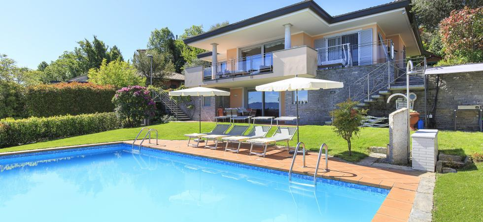 Villa Seta - Meina, Lake Maggiore - NORTHITALY VILLAS luxury vacation villa rentals