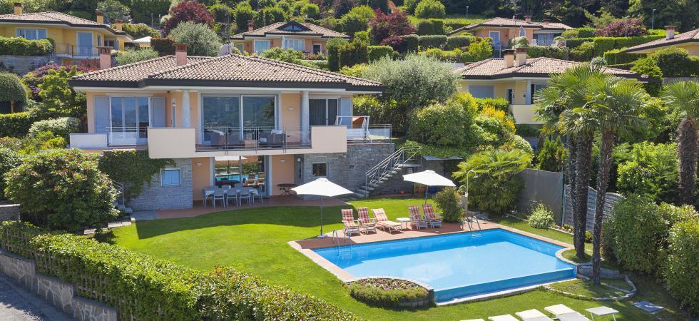 Villa Seta - Meina, Lake Maggiore - NORTHITALY VILLAS exclusive vacation villa rentals