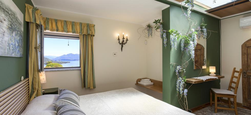3214) Villa Seta 5 CAMERE 11 PAX, Meina