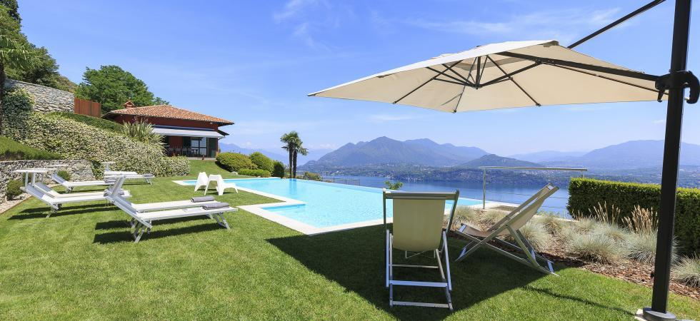 1677) Villa Falcone 5 BEDROOMS 10 PAX, Stresa