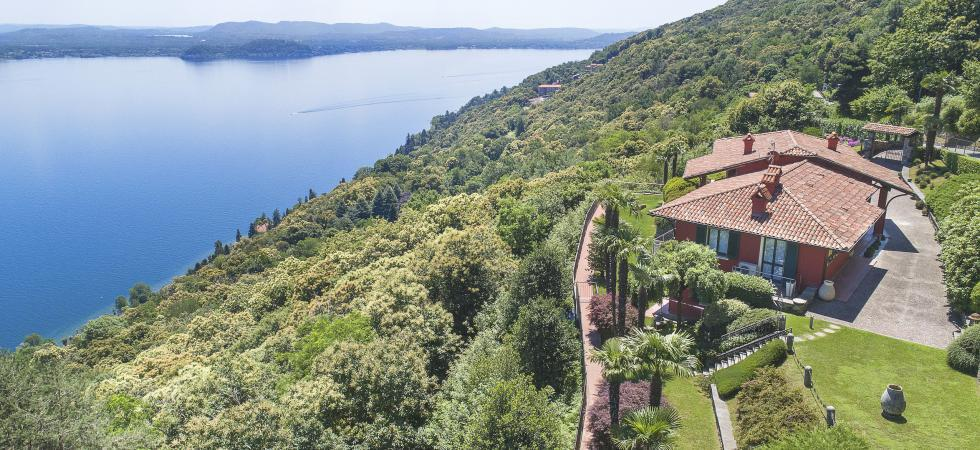 1680) Villa Falcone 5 BEDROOMS 10 PAX, Stresa