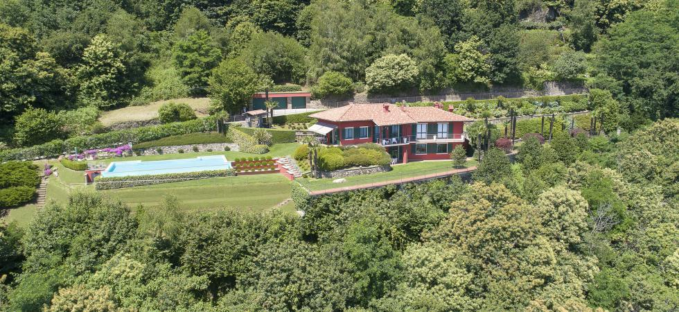 1682) Villa Falcone 5 BEDROOMS 10 PAX, Stresa