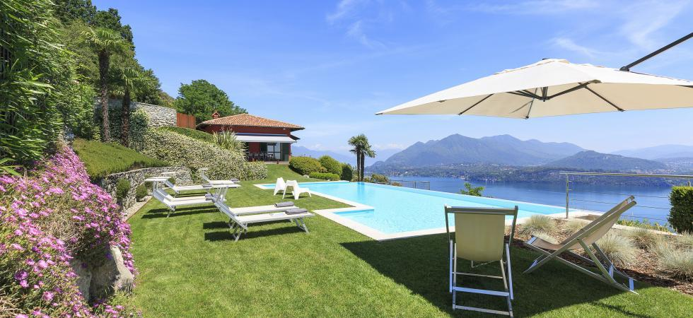 1685) Villa Falcone 5 BEDROOMS 10 PAX, Stresa