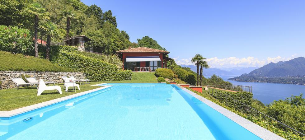 1686) Villa Falcone 5 BEDROOMS 10 PAX, Stresa