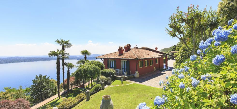 1694) Villa Falcone 5 BEDROOMS 10 PAX, Stresa