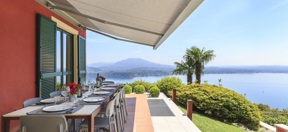 1700) Villa Falcone 5 BEDROOMS 10 PAX, Stresa