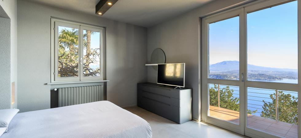 1711) Villa Falcone 5 BEDROOMS 10 PAX, Stresa