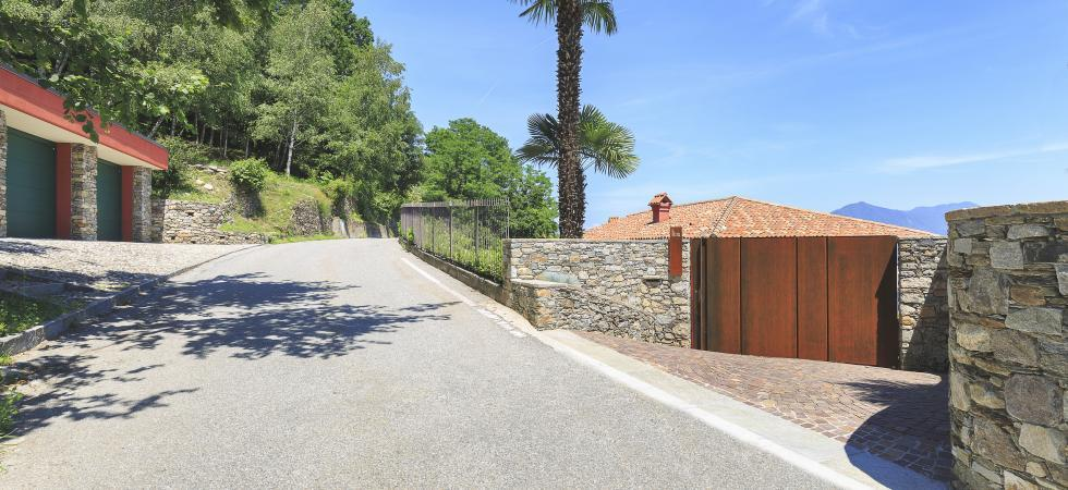 1734) Villa Falcone 5 BEDROOMS 10 PAX, Stresa